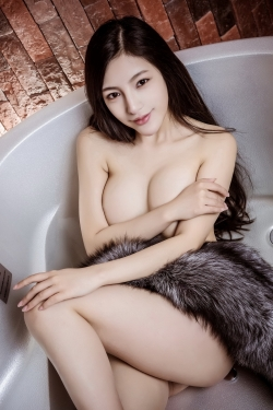 Escort  Quy from South Kensington